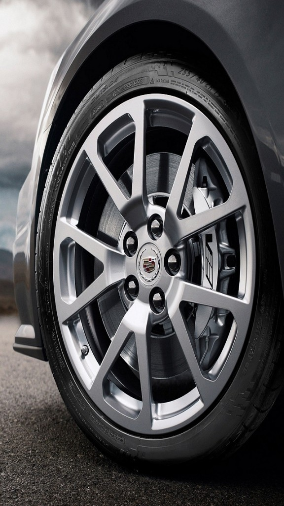 Sports car wheel HD wallpaper for iphone 5