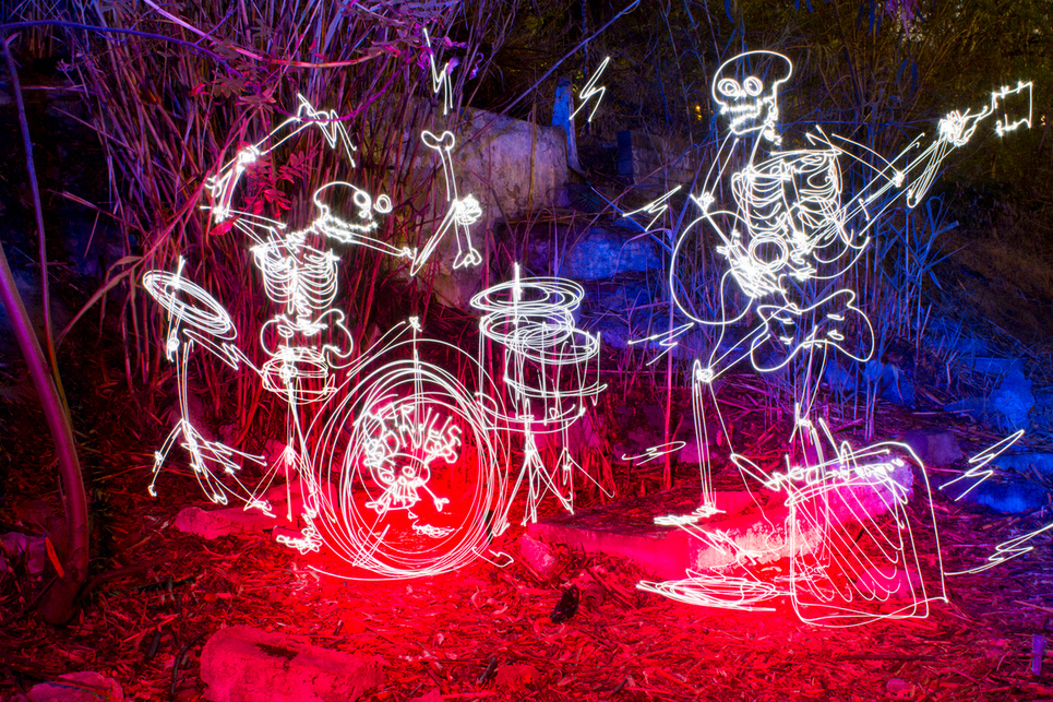 the skull family - Light Painting Photography